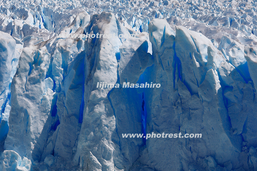 ペリト・モレノ氷河の写真素材