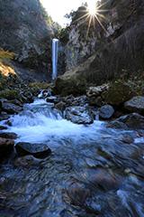 春の平湯大滝