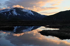 春の尾瀬ヶ原の夕景