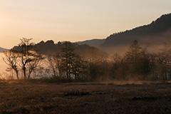 春の尾瀬ヶ原の夜明け
