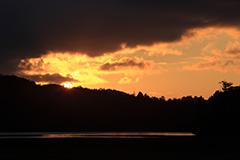 秋の尾瀬沼の夕景
