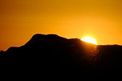 冬の日没の夕景