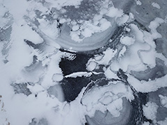 赤城山の覚満淵の空撮