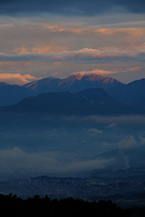 秋の仙ノ倉山の夜明け