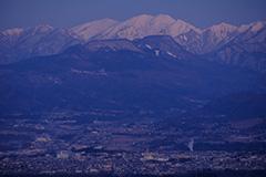 冬の仙ノ倉山の夜明け