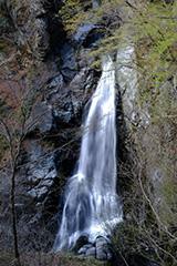 新緑の小中大滝