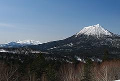 冬の雄阿寒岳