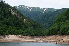夏の奥利根湖