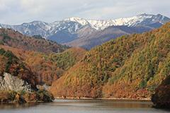 紅葉の洞元湖