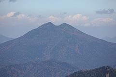 秋の皇海山