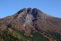 秋の日光白根山